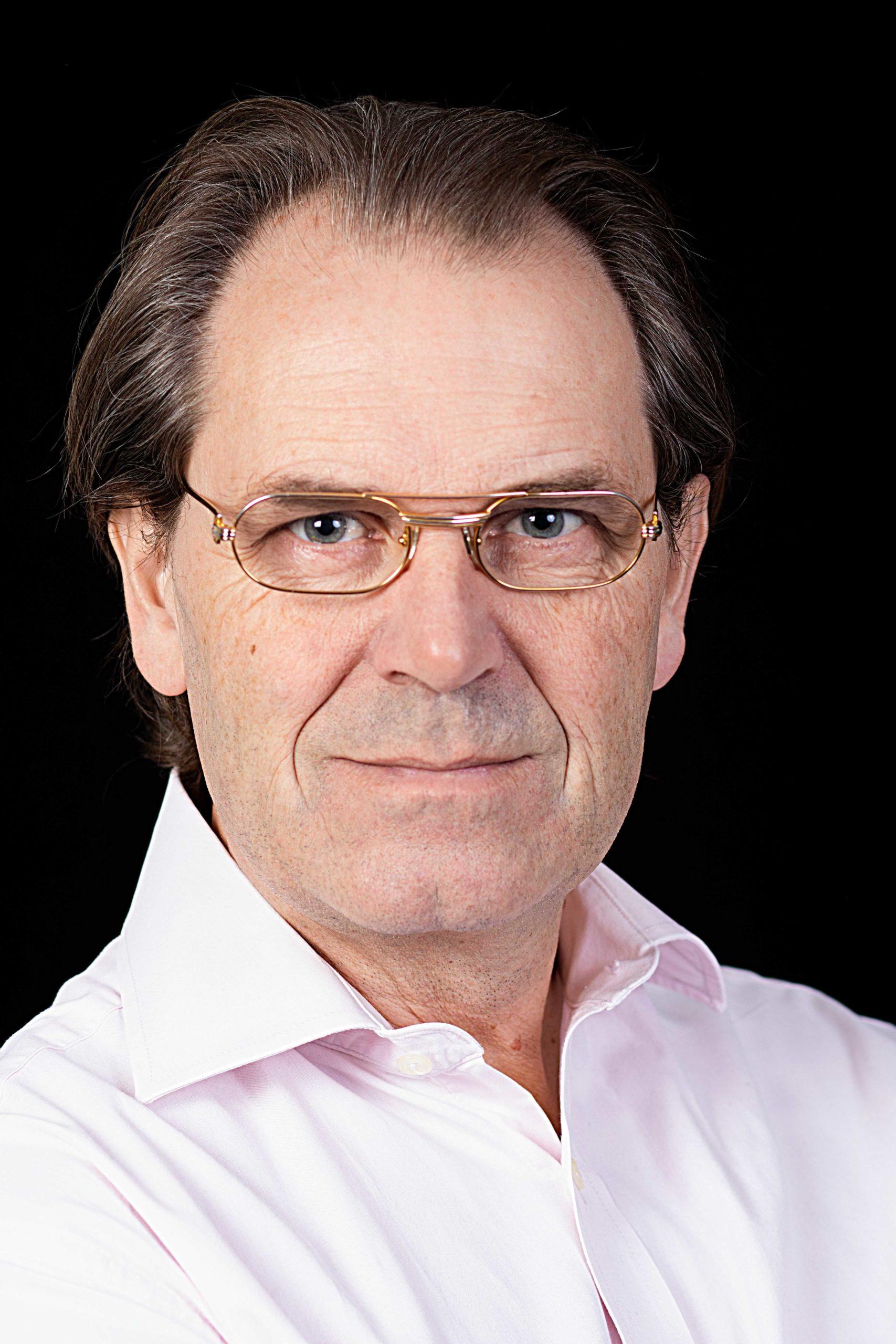 Claus Schioldann von Eyben - kordegn - kordegnevikar - degnevikar - degn - kontordegn - digital koordinator - kirke-it